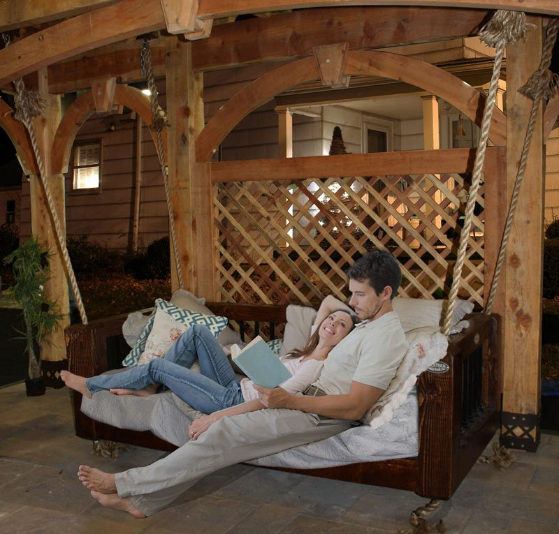 swinging-bed-couple-suspended