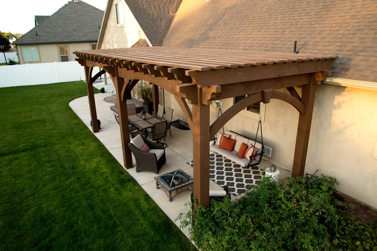 Pergola Backyard America : ever growing, busy city of Riverton in Utah, this timber frame pergola
