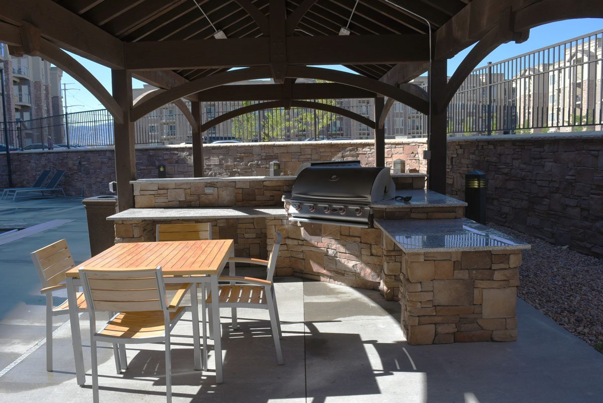 Fun Recreational Commercial Poolside Pavilion W Bbq Bars