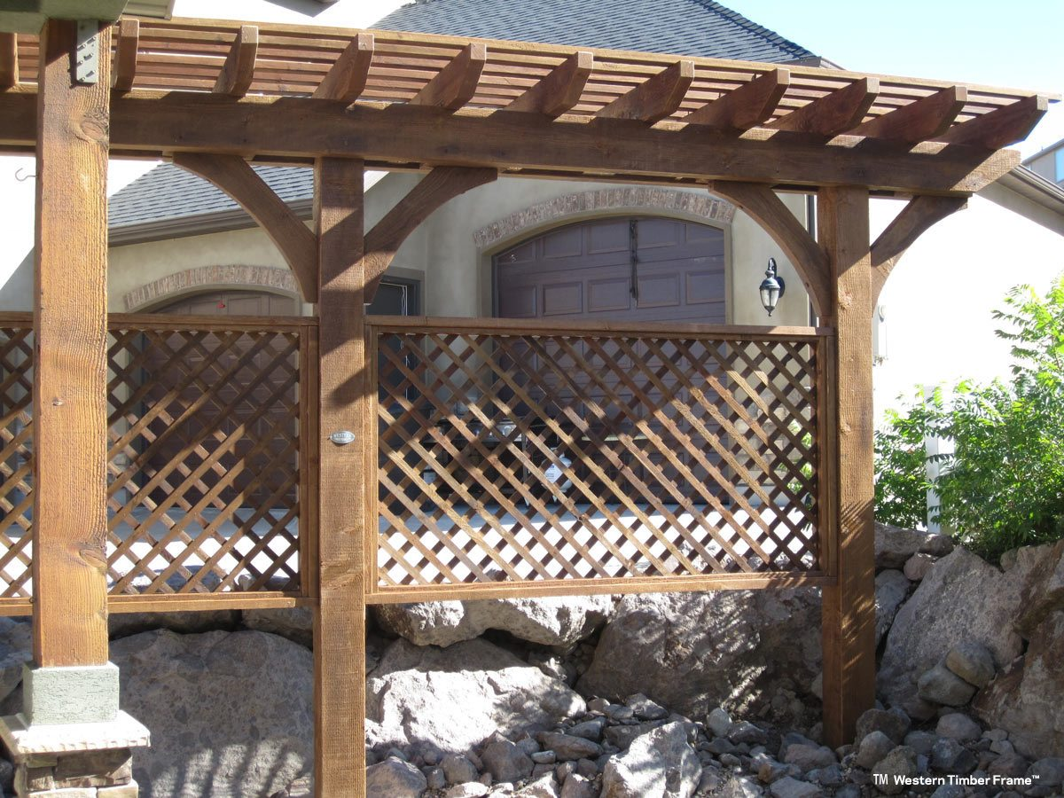 11 charming trellises define space add beauty privacy for Privacy trellis