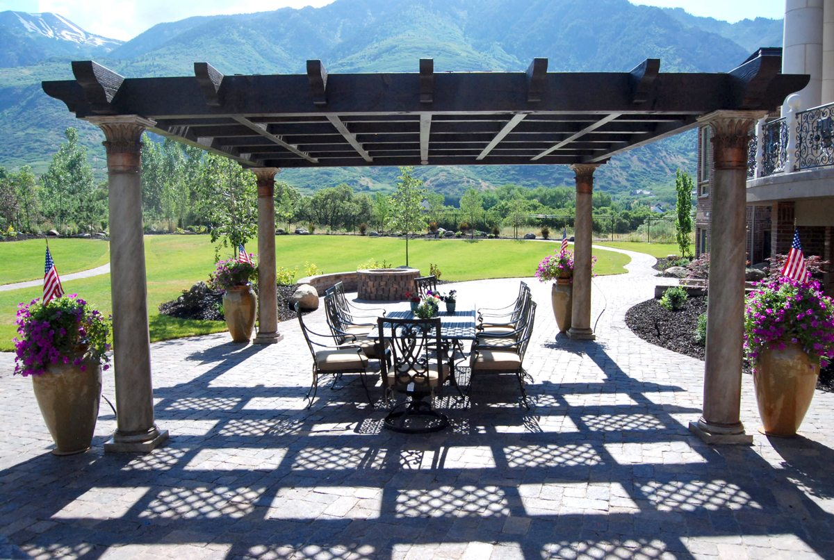 custom shade outdoor dining fire