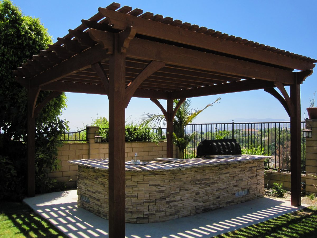10 great shadescape structures designed for outdoor for Outdoor kitchen roof structures