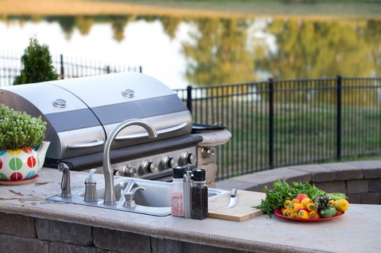 healthy-meal-outdoor-kitchen