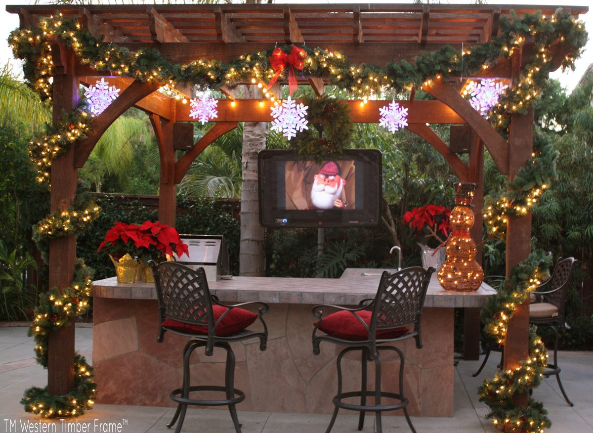 outdoor TV pergola christmas