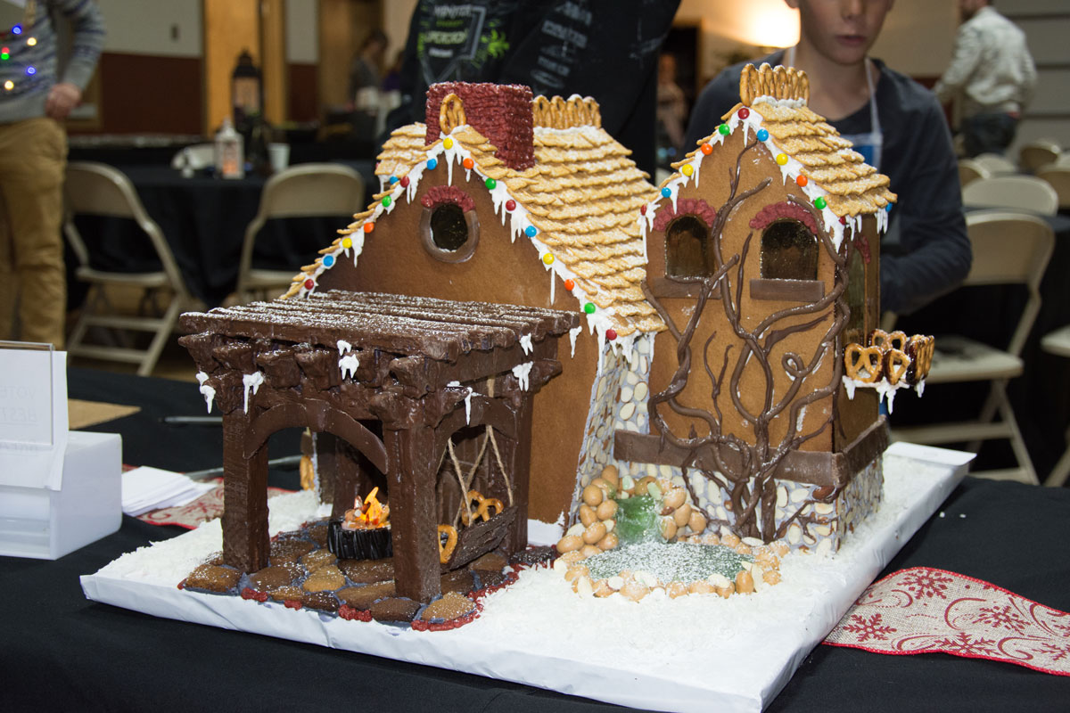 Wow Timberwright Gingerbread Houses Western Timber Frame