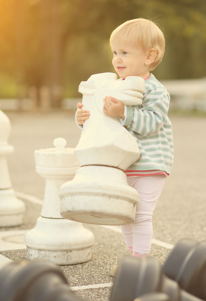 Carry chess horse piece toddler