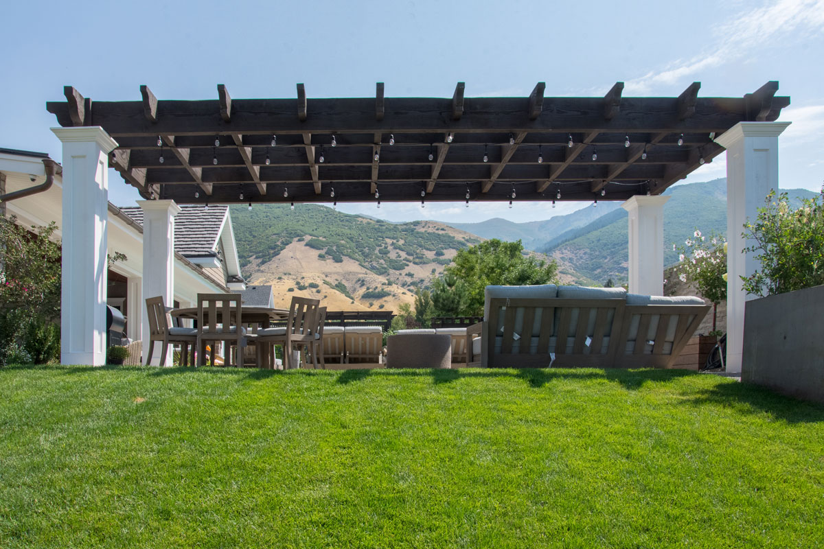outdoor furniture pergola