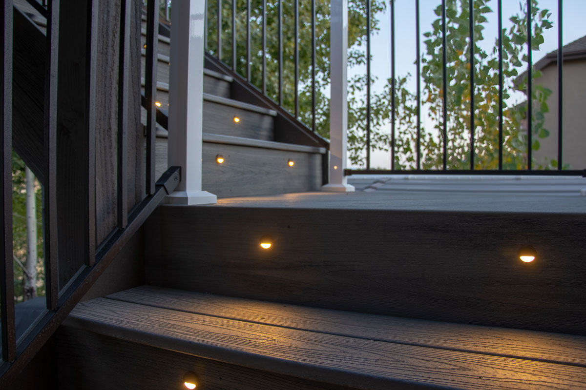 High-tech integrated lighted steps