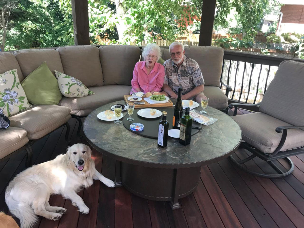 drage grandparents with dog bear