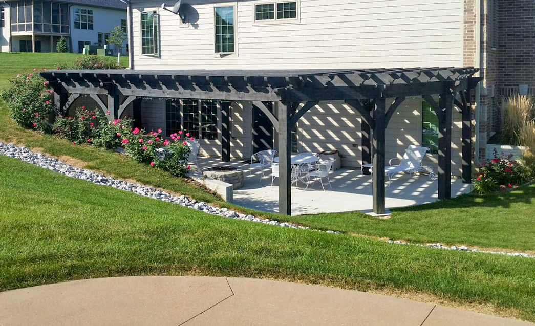 outdoor dining pergola