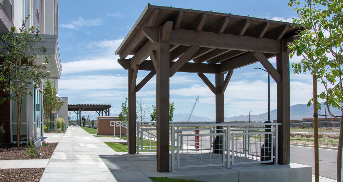 Hospitals are able to provide outdoor shelter for families and patients.
